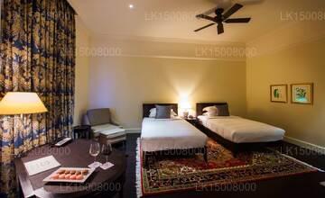 Landmark Queen Room