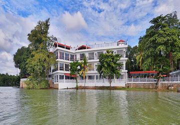 Centauria Lake Resort, Embilipitiya