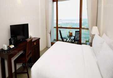 No Sea View Room