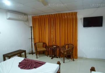 Grand Crown Hotel, Anuradhapura