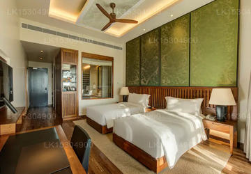 King Deluxe Room Lake View With Balcony