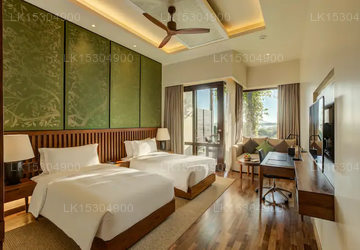 Twin Deluxe Room Lake View With Balcony